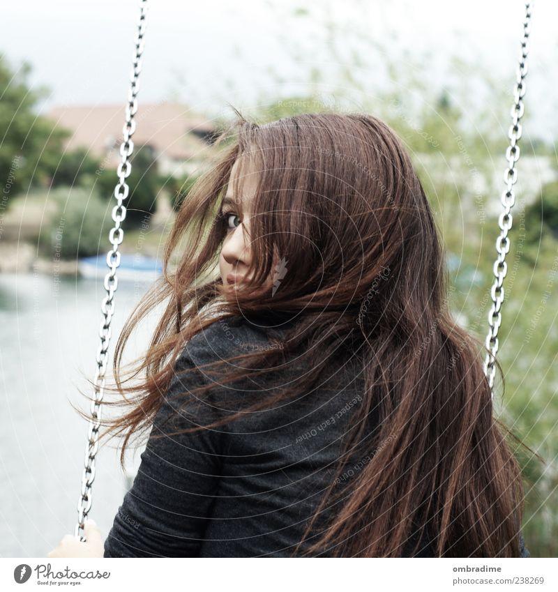 Vom Winde verweht.. Mensch Frau Jugendliche Freude Erwachsene feminin Leben Spielen Haare & Frisuren Kopf Stil Freundschaft Wind Freizeit & Hobby natürlich frei