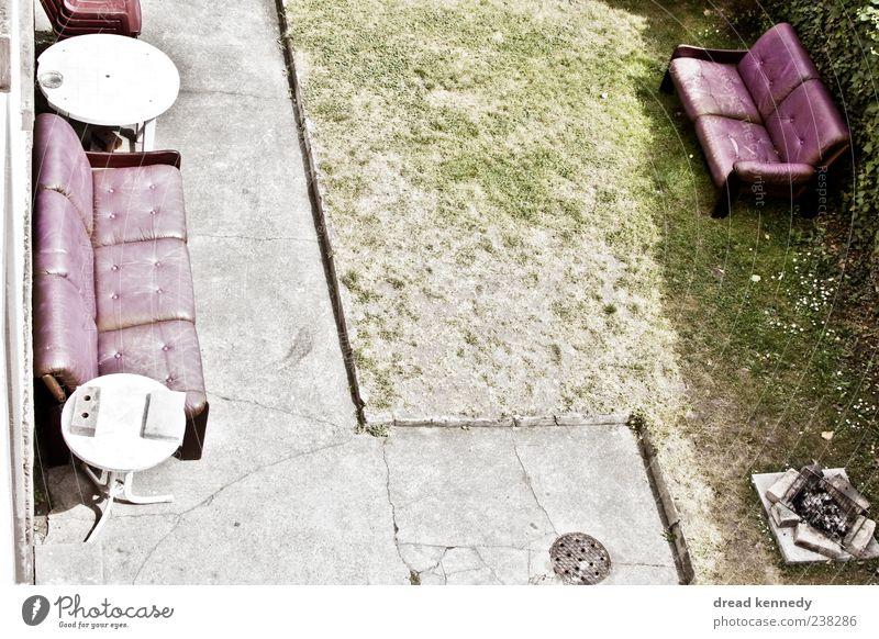 Sofa Ecke(n) Natur Sommer ruhig Erholung Wiese Leben Gras Freiheit Garten Feste & Feiern außergewöhnlich sitzen Platz Tisch Stuhl Rasen
