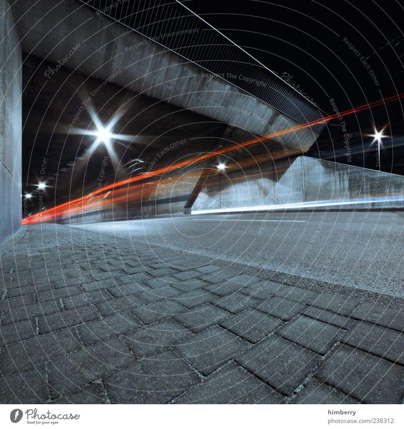 inline Stadt Straße kalt Bewegung Wege & Pfade grau Energiewirtschaft Beginn Design Verkehr Geschwindigkeit Zukunft Wandel & Veränderung Asphalt Kreativität