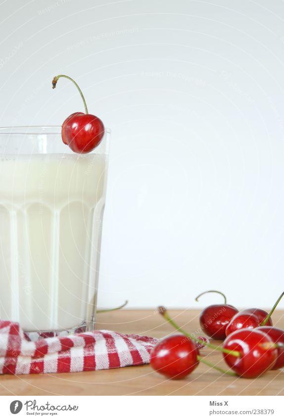 Prost Bellaluna rot Ernährung Lebensmittel Glas Frucht glänzend frisch Getränk süß Appetit & Hunger lecker Frühstück kariert saftig Milch Durst