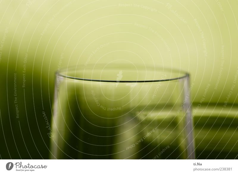 im Sauseschritt Glas Getränk Ecke rund Sekt Champagner Sektglas Prosecco