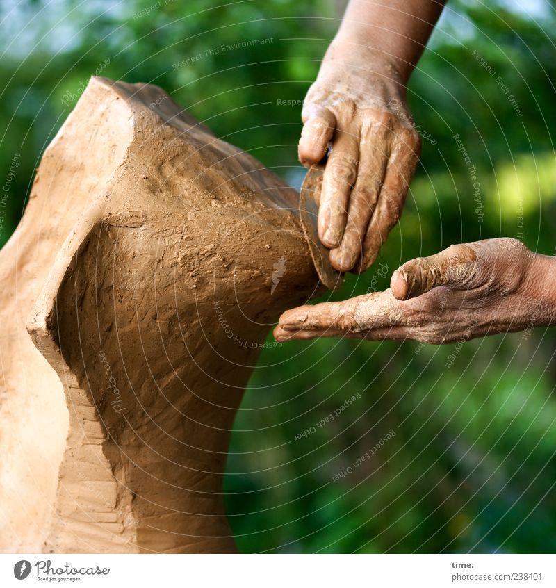 Entstehungsgeschichte Mensch grün Hand Baum Kunst braun Arbeit & Erwerbstätigkeit Aktion Beginn Finger ästhetisch Kreativität Konzentration machen Material