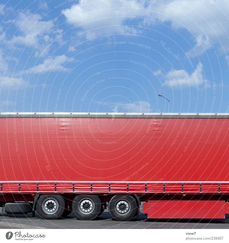 cargo carthago rot Verkehr modern ästhetisch neu Güterverkehr & Logistik authentisch einfach rein Lastwagen Fahrzeug parken Anschnitt stagnierend Bildausschnitt