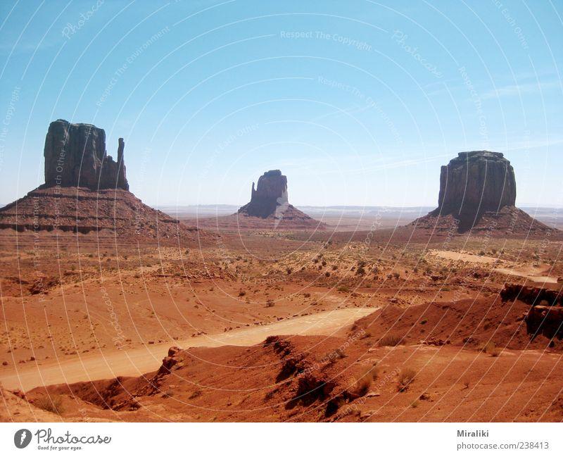 Monument Valley Landschaft Wolkenloser Himmel Schönes Wetter Berge u. Gebirge Schlucht heiß Navajo-Nation-Reservation West Mitten Butte East Mitten Butte