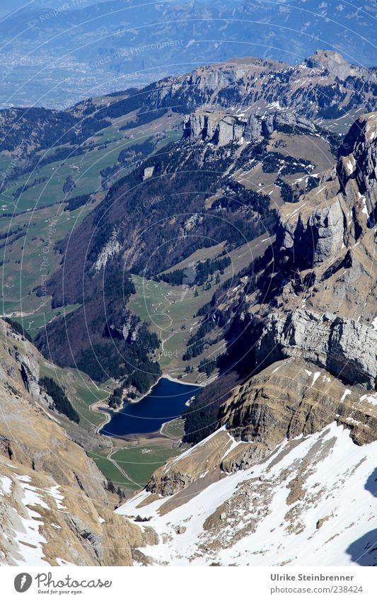 Hole in the earth Ferien & Urlaub & Reisen Tourismus Ausflug Freiheit Schnee Berge u. Gebirge Umwelt Natur Landschaft Wasser Schönes Wetter Hügel Felsen Alpen