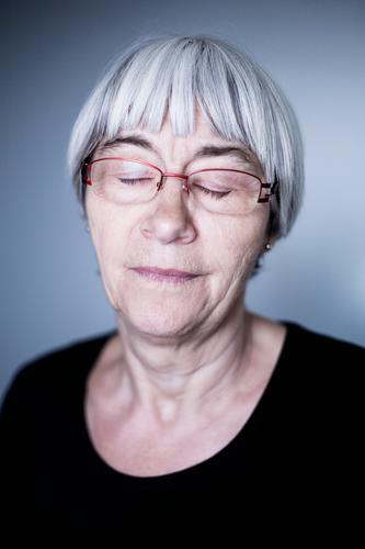 In der Ruhe liegt die Kraft Lifestyle elegant Gesundheit harmonisch Wohlgefühl Zufriedenheit Erholung ruhig Mensch Weiblicher Senior Frau Leben 60 und älter