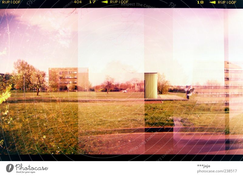 RVP100F 404 17 < RVP100F 18 < RVP100F Natur Stadt Haus Landschaft Gebäude Park rosa Beton Hochhaus retro Rasen violett Bauwerk analog Doppelbelichtung Lomografie