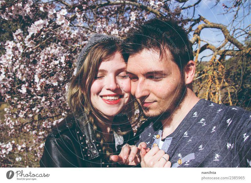 Frau Mensch Natur Jugendliche Mann Junge Frau schön Junger Mann Freude 18-30 Jahre Lifestyle Erwachsene Frühling Liebe feminin Familie & Verwandtschaft