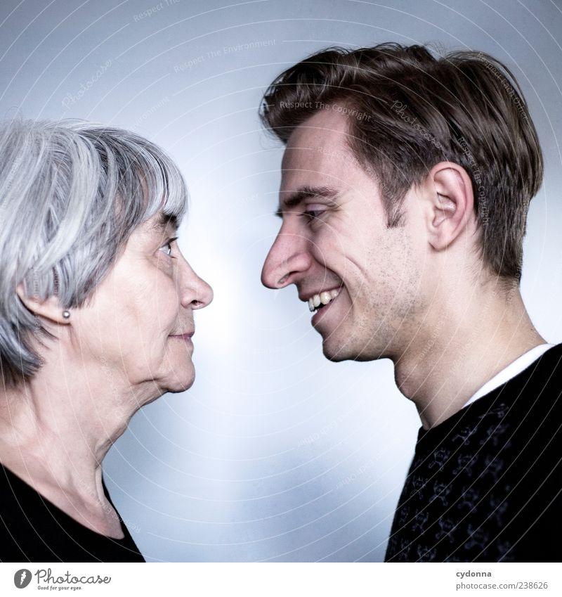 Auf Augenhöhe Mensch Jugendliche Freude ruhig Erwachsene Liebe Leben Senior Kopf lachen Familie & Verwandtschaft Zeit Zufriedenheit 18-30 Jahre Mutter Junger Mann