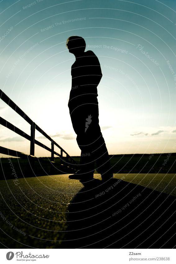 feierabend Lifestyle Stil Freizeit & Hobby Mensch Junger Mann Jugendliche 1 18-30 Jahre Erwachsene Landschaft Sonnenaufgang Sonnenuntergang Sommer Verkehrswege