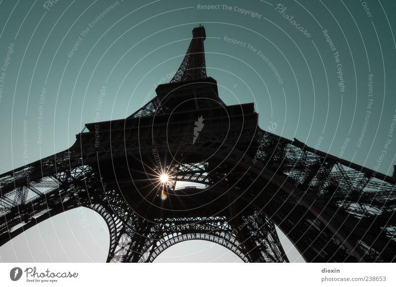 7.739.401 Francs und 31 Centimes Himmel alt Ferien & Urlaub & Reisen Sonne Architektur außergewöhnlich hoch Ausflug Tourismus authentisch leuchten Europa Turm Bauwerk Paris Wahrzeichen