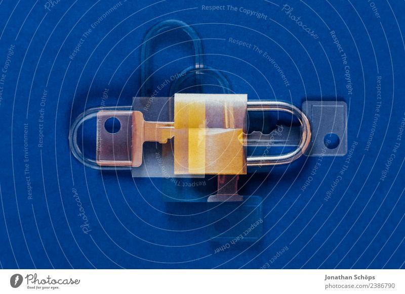 Datenschutz und Verschlüsselung blau Business Textfreiraum gold Europa Symbole & Metaphern Doppelbelichtung Gesetze und Verordnungen Schloss Datenträger Mai