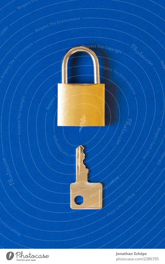 Datenschutz und Verschlüsselung Telekommunikation Business Informationstechnologie Schloss blau gold Sicherheit 2018 dsgvo big data Textfreiraum verschlüsselt