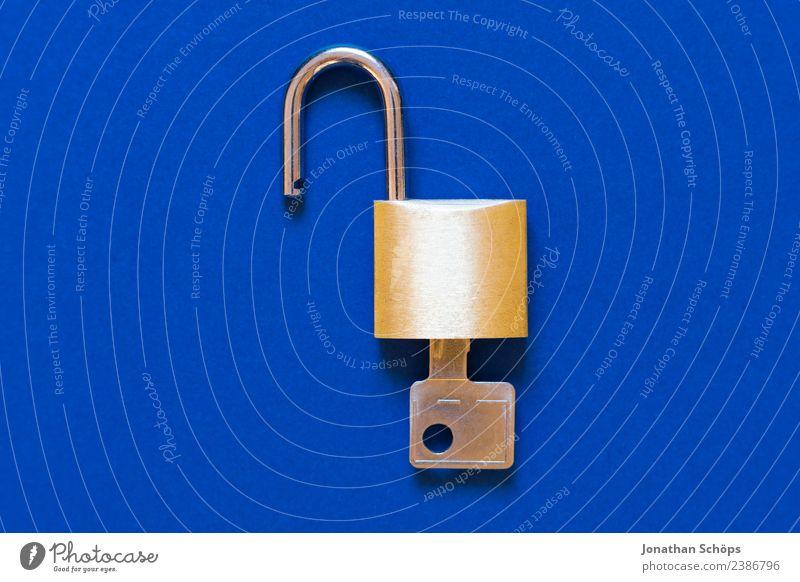 Datenschutz und Verschlüsselung Telekommunikation Business Informationstechnologie Schloss blau gold Sicherheit 2018 dsgvo datenschutzgrundverordnung big data