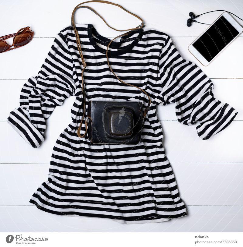 weißes Baumwollhemd in schwarzen Streifen Stil Headset PDA Bildschirm Fotokamera Technik & Technologie Mode Bekleidung Hemd Pullover Holz lang modern oben Gerät