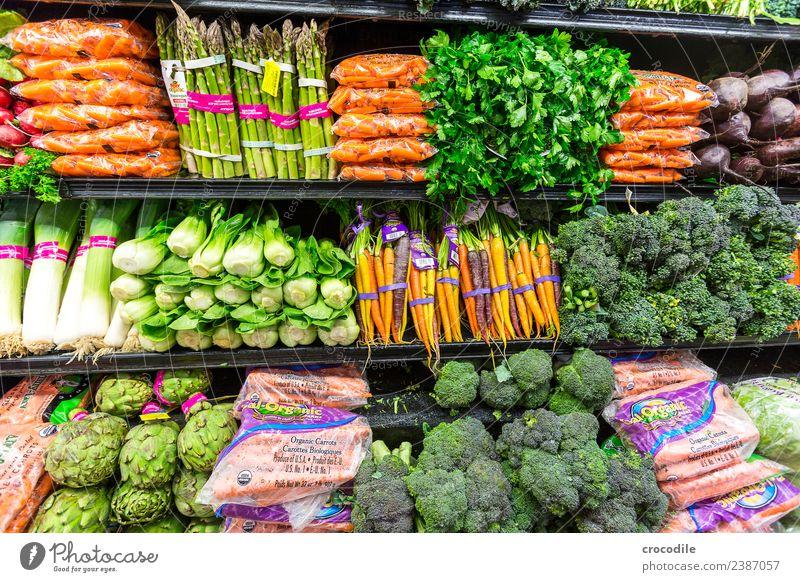 # 743 Supermarkt Gemüse Spargel Möhre Fenchel Porree Bioprodukte Biologische Landwirtschaft Brokkoli kalt Handel kaufen Lebensmittel Gesunde Ernährung Farbfoto
