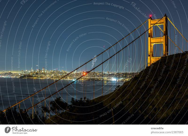 # 746 Golden Gate Bridge Brücke San Francisco Großstadt Nacht Langzeitbelichtung Stern Meer Highway One Wahrzeichen Autobahn Kalifornien Bucht Skyline