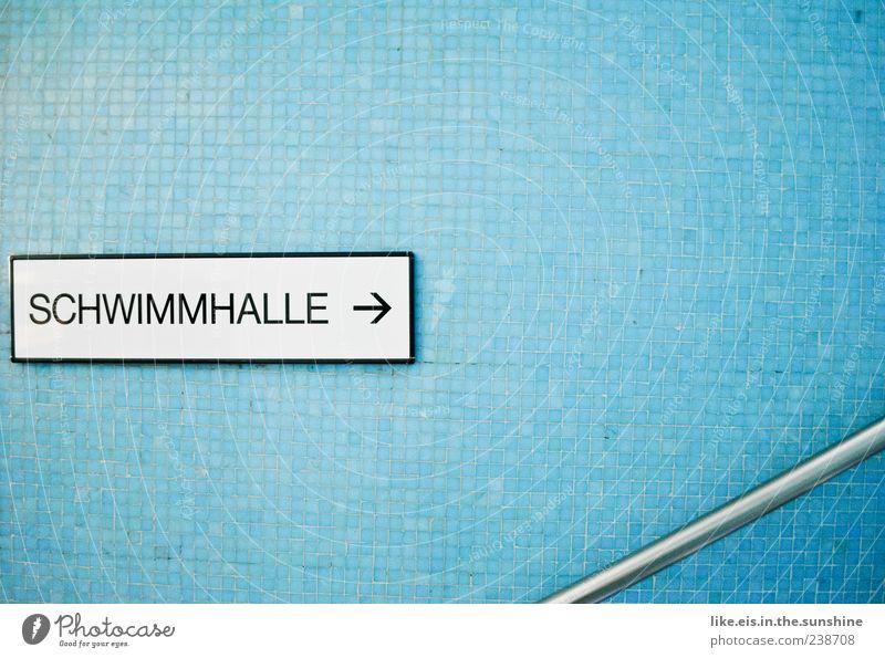 schwimmhalle -> blau Schwimmen & Baden Freizeit & Hobby Schilder & Markierungen nass Schwimmbad Geländer Pfeil Fliesen u. Kacheln Treppengeländer Griff