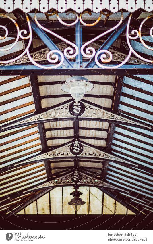 vintage Glasdach von unten Brighton, England alt Stadt Hintergrundbild Gebäude außergewöhnlich Lampe retro historisch Dach altehrwürdig Geometrie Decke Ornament