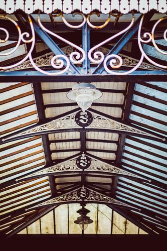 vintage Glasdach von unten Brighton, England Stadt Gebäude Dach außergewöhnlich altehrwürdig retro Hintergrundbild Strukturen & Formen verziert Ornament Lampe