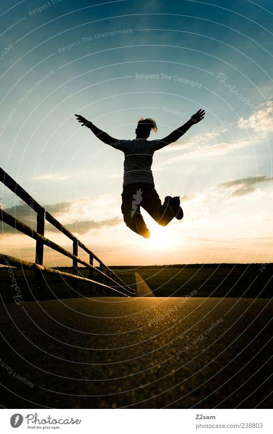 der sonne entgegen Lifestyle Stil Mensch maskulin Junger Mann Jugendliche 1 18-30 Jahre Erwachsene Umwelt Natur Landschaft Sonnenaufgang Sonnenuntergang