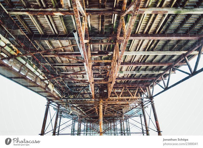 unterhalb der Seebrücke, Brighton Pier, Brighton, Hafenstadt Bauwerk Architektur Sehenswürdigkeit ästhetisch England unten Brücke Brückenkonstruktion