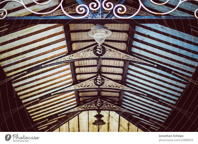 vintage Glasdach von unten Brighton, England alt Stadt Hintergrundbild Innenarchitektur Gebäude außergewöhnlich Lampe retro historisch Dach altehrwürdig