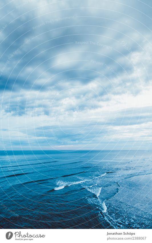 la mer Umwelt Urelemente Luft Wasser Himmel Wolken Herbst Winter Klima Wetter Wind Wellen Küste Meer Hoffnung Glaube Traurigkeit Sehnsucht Fernweh Brighton