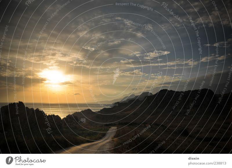 Roadmovie Himmel Wasser Ferien & Urlaub & Reisen Sonne Meer Sommer Wolken Ferne Straße Berge u. Gebirge Küste Freiheit Horizont Erde Felsen Insel