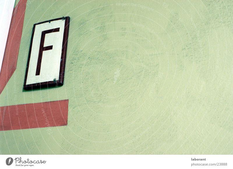 f Warnfarbe Wand Treppenhaus Typographie Fototechnik Brand Schilder & Markierungen Schriftzeichen