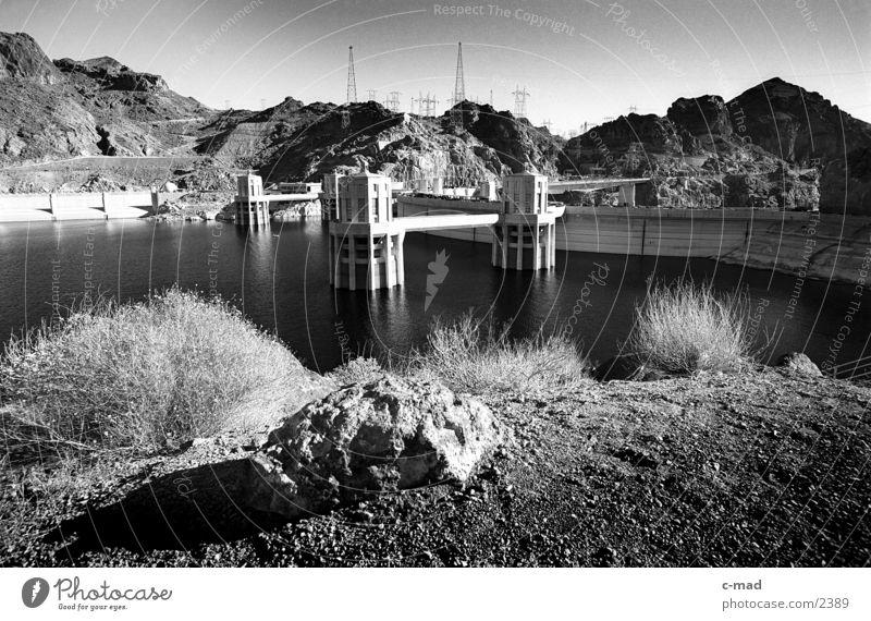 Hoverdam Arizona Nevada USA Schwarzweißfoto Landschaft Technik & Technologie Hoover Dam Staumauer Architektur Stausee Wasser Menschenleer Colorado River