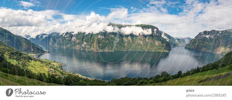 Fjord Himmel Natur Ferien & Urlaub & Reisen blau Sommer Wasser Landschaft Erholung Wolken ruhig Ferne Berge u. Gebirge Umwelt Tourismus Lebensfreude