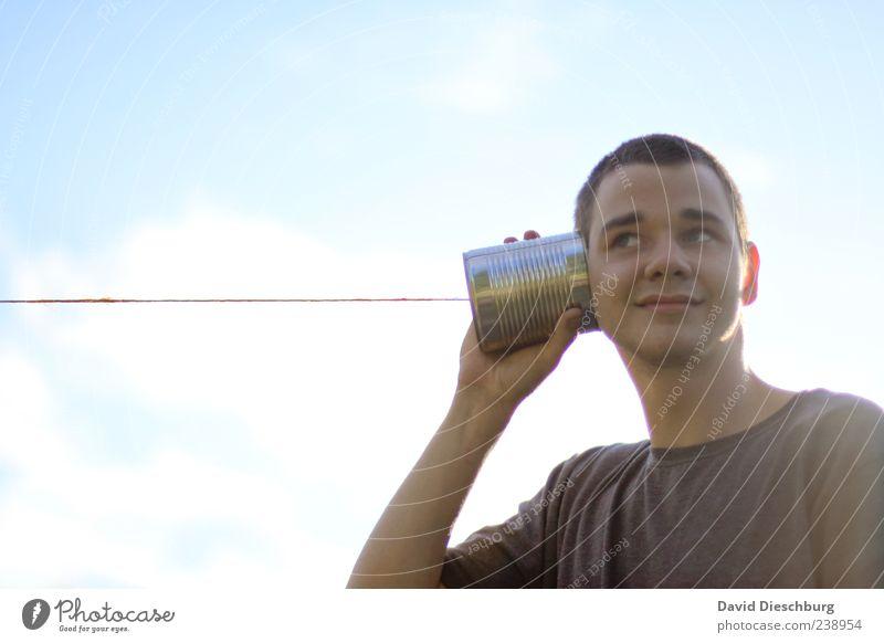Iphone Telefon Technik & Technologie Telekommunikation Mensch Junger Mann Jugendliche Kopf 1 18-30 Jahre Erwachsene Büchsentelefon Schnur hören spielerisch