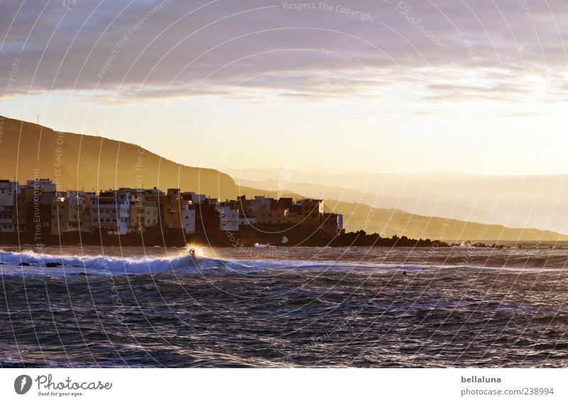 Happy ParticulaDay! Natur Landschaft Erde Wasser Himmel Wolken Horizont Sonnenlicht Sommer Schönes Wetter Berge u. Gebirge Wellen Küste Strand Meer Insel Dorf