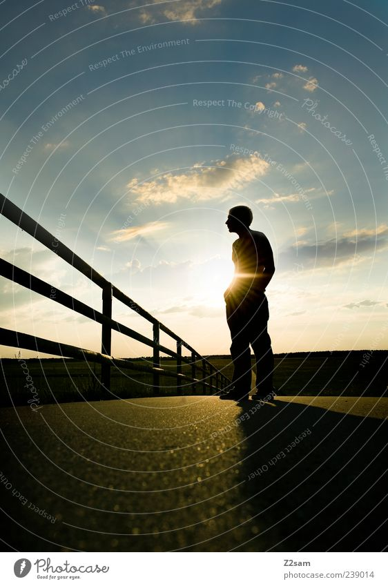 feierabend II Lifestyle Stil Mensch maskulin Junger Mann Jugendliche 1 18-30 Jahre Erwachsene Natur Landschaft Himmel Horizont Sonnenaufgang Sonnenuntergang