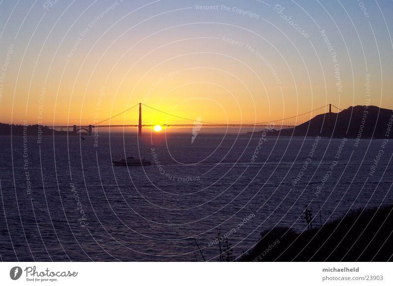 Golden Gate Sunset Wasser Himmel träumen Wasserfahrzeug Stimmung Brücke Amerika Nordamerika San Francisco Golden Gate Bridge