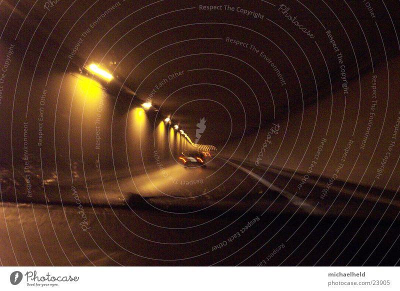 Hamburg@night Nacht Licht Mobilität Reflexion & Spiegelung unterwegs Langzeitbelichtung Asphalt Verkehr Regen Straße Bewegung Kronstiegtunnel Brücke Unschärfe