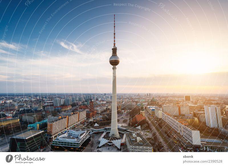 Berlin Fernsehturm Ferien & Urlaub & Reisen Stadt Hauptstadt Stadtzentrum Skyline Gebäude Architektur Deutschland Großstadt architecture german Oberbaumbrücke