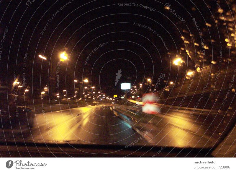 Hamburg@night Nacht Licht Mobilität Flughafenstraße Reflexion & Spiegelung unterwegs Langzeitbelichtung Asphalt Verkehr Regen Straße Bewegung Brücke Unschärfe