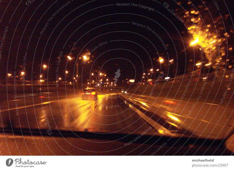 Hamburg@night Wasser Straße Bewegung Regen Verkehr Brücke Asphalt Mobilität unterwegs Flughafenstraße