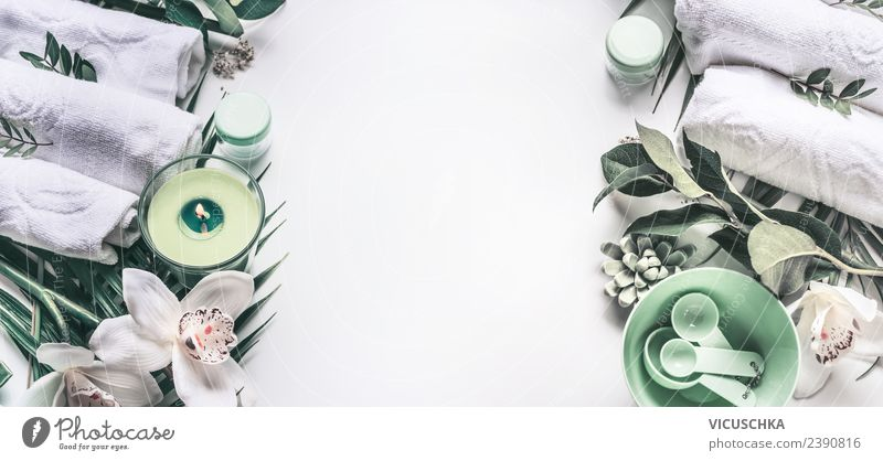 Wellness Hintergrund mit Handtücher, Kerczen und Orchideen Stil Design schön Körperpflege Kosmetik Gesundheit Behandlung Wohlgefühl Erholung Duft Kur Spa