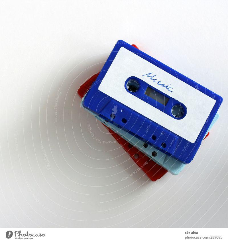 Music alt blau weiß rot Musik Schriftzeichen retro Coolness Buchstaben Kunststoff Medien Wort Typographie Stillleben Nostalgie Entertainment