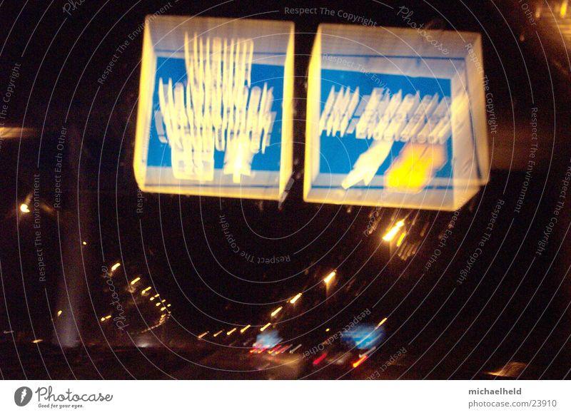Hamburg@night Nacht Licht Mobilität Reflexion & Spiegelung unterwegs Langzeitbelichtung Asphalt Verkehr Regen Straße Bewegung A7 Brücke Unschärfe Wasser