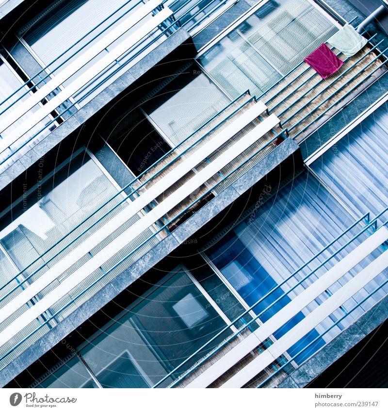 towel dryer Stadt Farbe Einsamkeit Haus Fenster Wand Architektur Mauer Gebäude Glas Fassade Design einzigartig Idylle Geländer Bauwerk