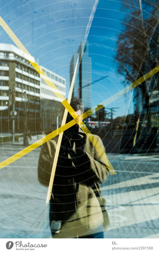 CXL, düsseldorf Mensch Himmel Mann Stadt Haus Fenster Erwachsene Architektur gelb Gebäude Freizeit & Hobby Linie maskulin Hochhaus Kreativität Schönes Wetter