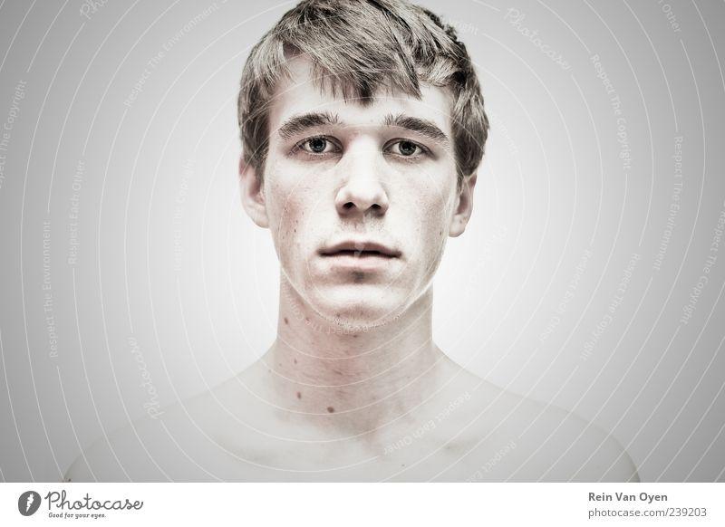Die gerade Fläche Mensch maskulin Junger Mann Jugendliche Kopf 1 18-30 Jahre Erwachsene beobachten Denken Blick ästhetisch dünn schön trist Gefühle Mut