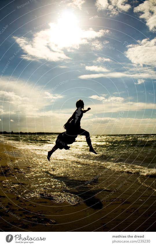 X Himmel Natur Jugendliche Wasser schön Sommer Meer Strand Freude Wolken Umwelt Landschaft feminin Glück springen Horizont