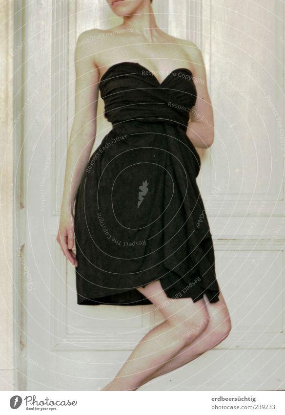 Movie star... Jugendliche schön schwarz feminin Bewegung Stil Beine Tanzen Junge Frau Arme elegant Haut ästhetisch Wunsch Stoff Kleid