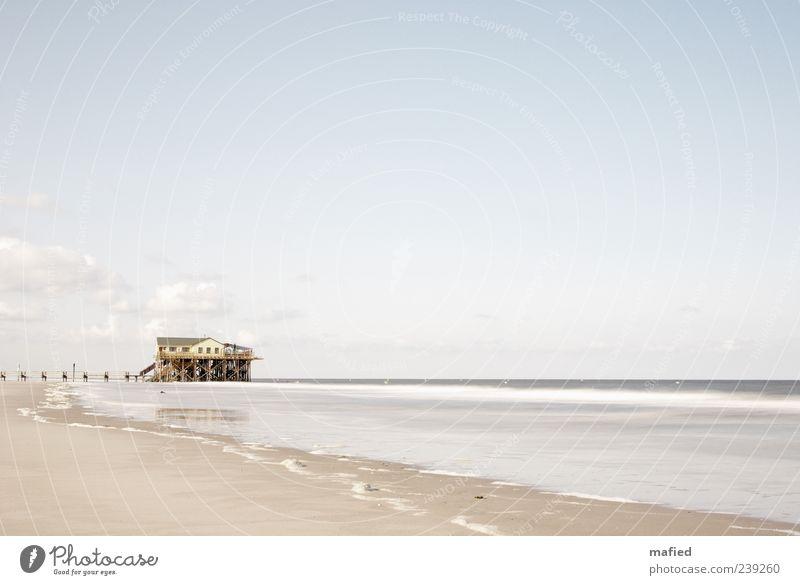Sonntag Morgen | Das Haus im Meer Himmel Natur blau Wasser weiß Ferien & Urlaub & Reisen Sommer Strand Wolken Haus gelb Landschaft Küste grau Sand Horizont
