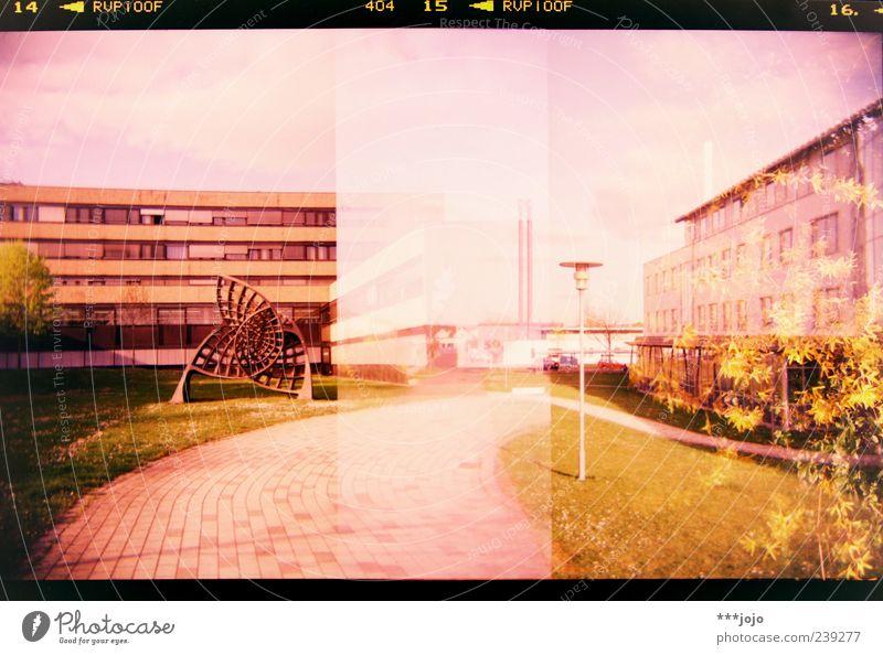 14 < RVP 100F 404 15 < RVP 100F 16. < Stadt Haus Landschaft Architektur Wege & Pfade rosa Beton modern Hochhaus Studium retro Ziffern & Zahlen Rasen violett Bauwerk Laterne